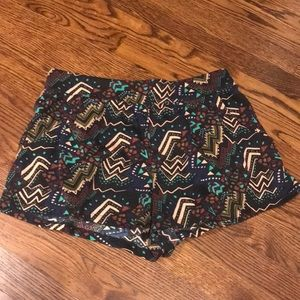 Rubbish Tribal Shorts 🔹